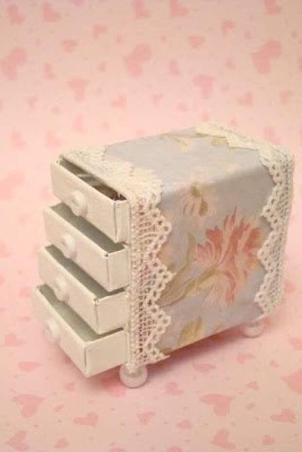 Мини-комодик из спичечных коробков