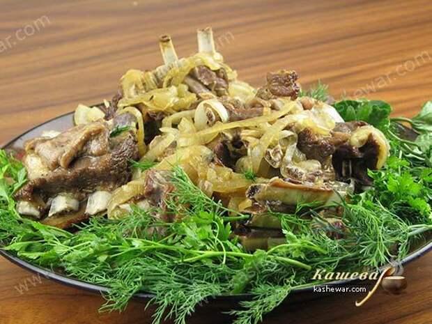 Бараньи ребрышки с луком – рецепт с фото, азербайджанская кухня