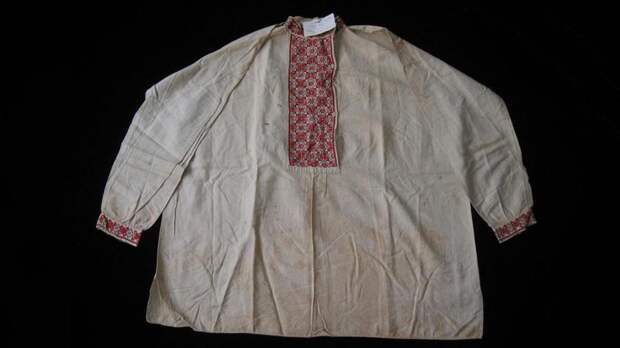 Вышитая рубаха А.М. Щастного,которую он носил во время следствия и перед расстрелом