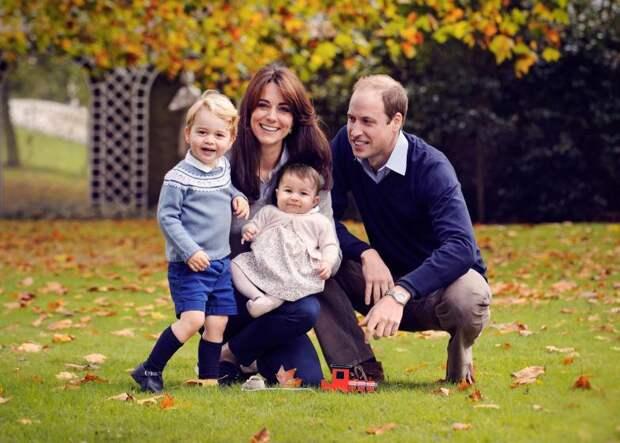 Как королевская семья Великобритании поздравляет жителей страны с Рождеством