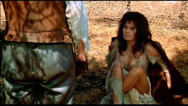 Софи Лорен в Риме, во время съемок фильма Артура Хиллера «Человек из Ламанчи»(1972).
