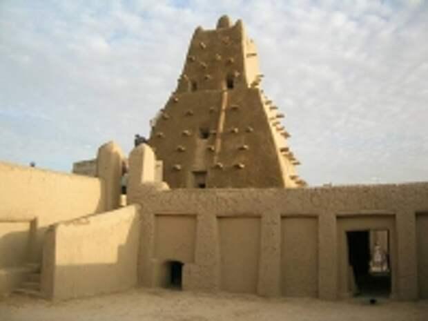 ПРАВО.RU: Террорист из Мали признал вину в уничтожении исламских святынь в Тимбукту