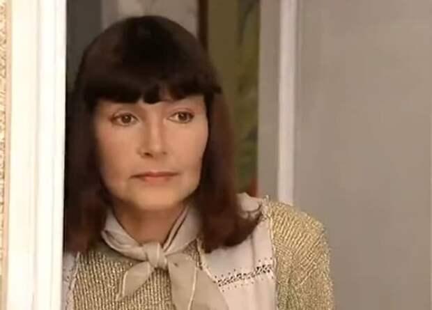 """Нина Маслова в сериале """"Салон красоты"""" (2000)"""