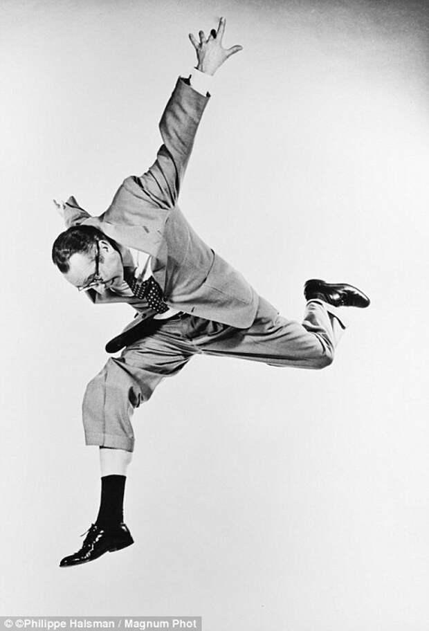 Серия портретов знаменитостей «Прыжок» фотографа Филиппа Халсмана