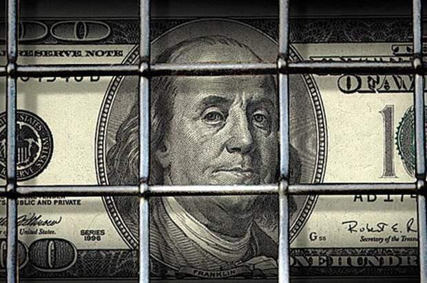 Россия отказалась от доллара более чем в половине своего экспорта