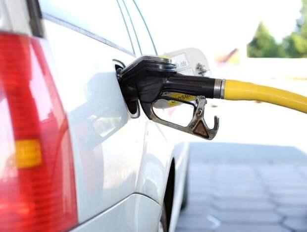 Правительство до октября запретило ввоз топлива в Россию