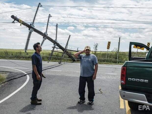 """Число жертв урагана """"Лаура"""" в США достигло 16"""