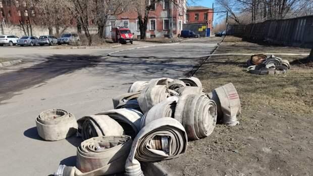 Спасатели полностью потушили пожар на Невской мануфактуре в Петербурге