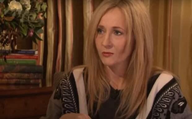 Джоан Роулинг пожаловалась на угрозы транс-активистов