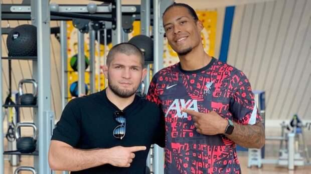 Хабиб встретил ван Дейка в Дубае и пожелал футболисту «Ливерпуля» скорейшего восстановления