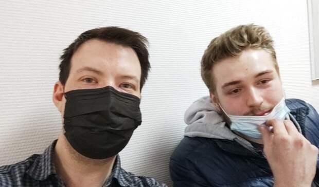 Суд арестовал двоих сторонников Алексея Навального