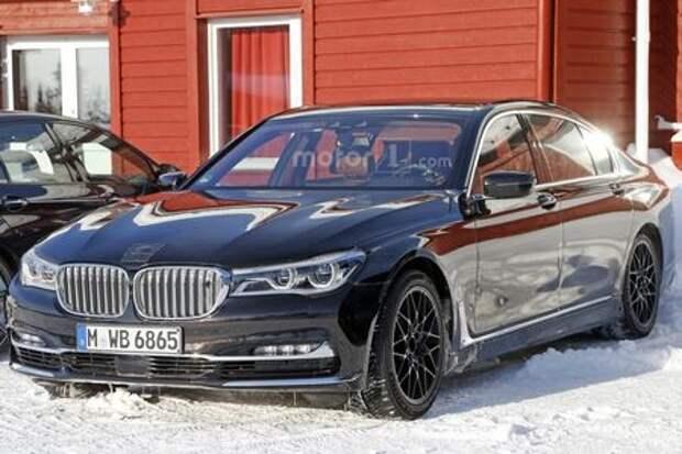 Неспетая песенка: BMW тестирует суперседан M7