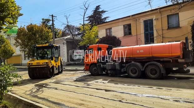 В Симферополе ремонтируют дорогу на улице Гоголя. ФОТО, ВИДЕО