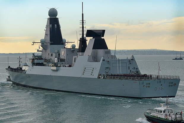 Российские корабли открыли предупредительную стрельбу по эсминцу Defender в Чёрном море