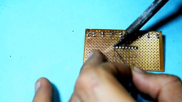 Бегущие огни на одной микросхеме своими руками