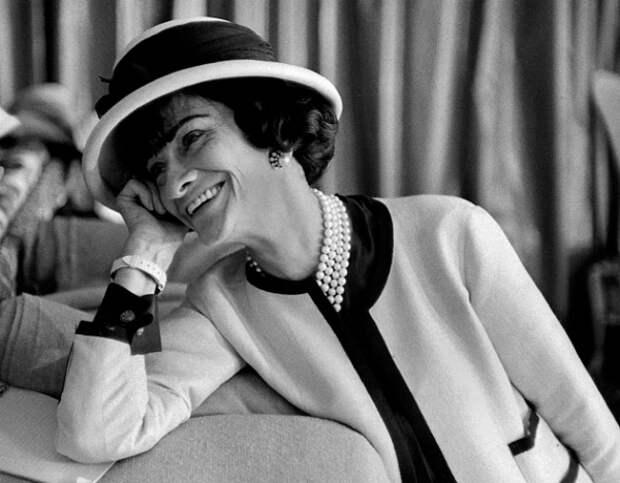 Смысл Маленького Чёрного Платья. Как изменился мир моды после Коко Шанель