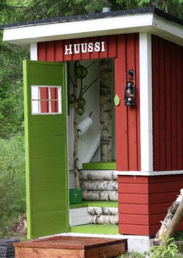 туалет на даче внутри