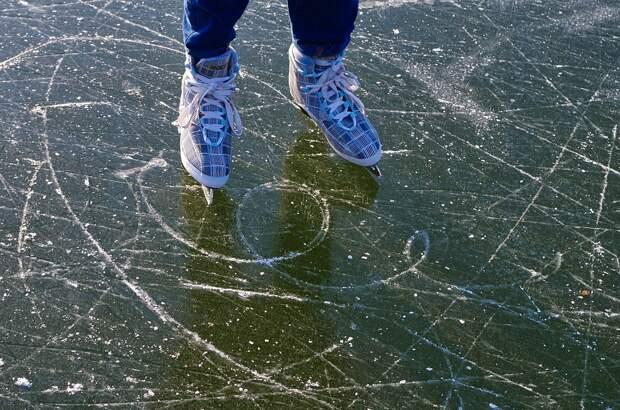 Каток с естественным льдом в Лианозовском парке закрыли до следующей зимы