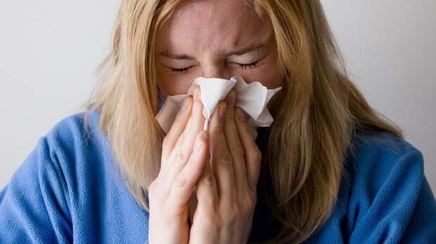 Врач рассказала, от каких продуктов стоит воздержаться в период сезонной аллергии