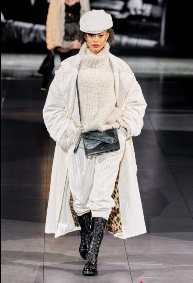 Dolce&Gabbana @instagram.com/vogue.ru/