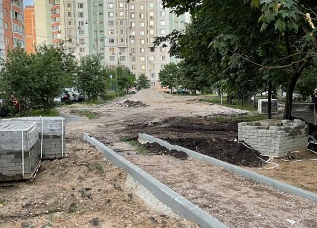 Детскую площадку на улице Полины Осипенко благоустроят до конца августа — управа
