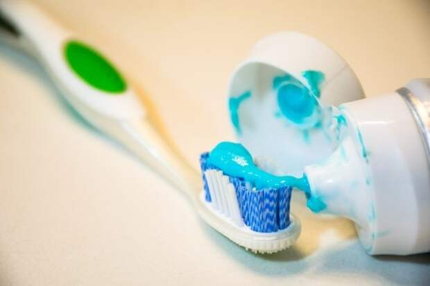 10 удивительных способов использования зубной пасты