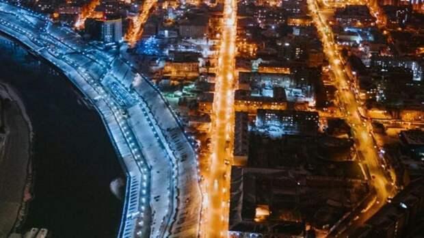 В Тюмени новая набережная превращается в ночную дискотеку. Люди не могут заснуть