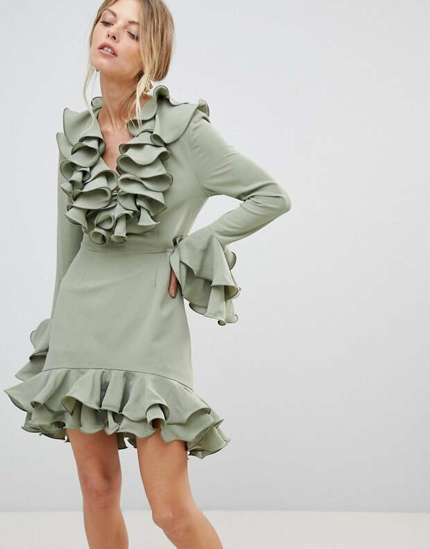 Оливковое платье с рюшами и воланами. /Фото: cf-product.clouty.ru