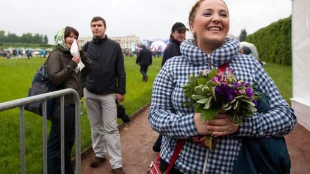 Денежки зарабатывают, а в кулаке держат фигу: Отказавшуюся выступать в России певицу Нино Катамадзе осудили русские и грузинские поклонники