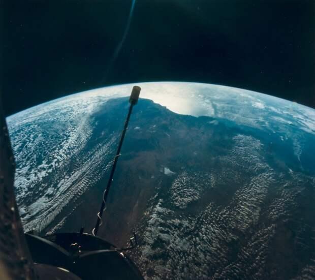 1966, сентябрь. Освещенная Земля с рекордно высокой высоты 850 миль. Джемини-11