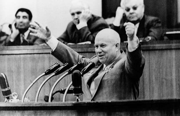 По критерию глобального влияния Хрущёв получил минус из-за ссоры с китайским руководством