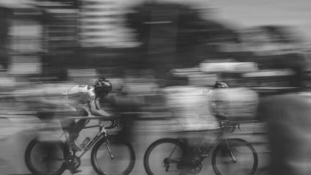 Пикап сбил участников велогонки в США