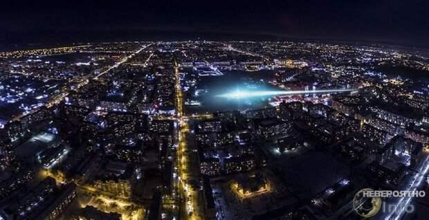 Москвичи обсуждают загадочное явление в небе (видео)