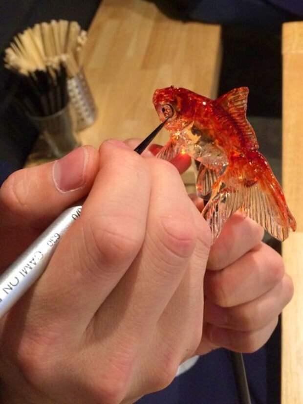 Японский мастер делает реалистичные леденцы. Этому рецепту 1200 лет!