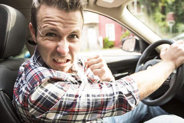 Неадекваты на дорогах — разборки устраивает каждый пятый российский водитель