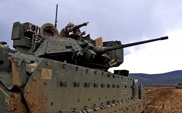 Пентагон перебросил тяжелую бронетехнику в район создания новой российской базы в Сирии