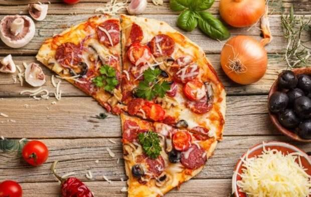 Пицца с помидорами, колбасой и сыром – универсальное блюдо на все случаи жизни. Лучшие рецепты аппетитной пиццы с помидорами, колбасой и сыром