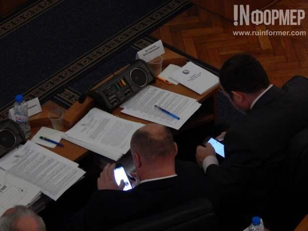Сессия Законодательного Собрания Севастополя - мы развлекались, как могли (фоторепортаж)