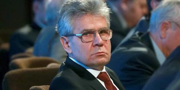 Глава РАН призвал упростить получение гражданства для иностранных студентов