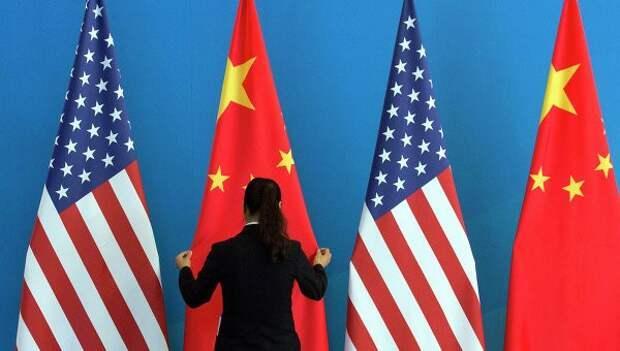 Союзники США начинают поклоняться не доллару, а юаню