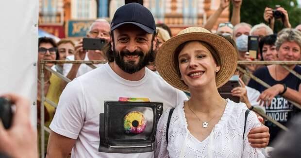 Арзамасова, Литвинова, Добронравов на открытии кинофестиваля