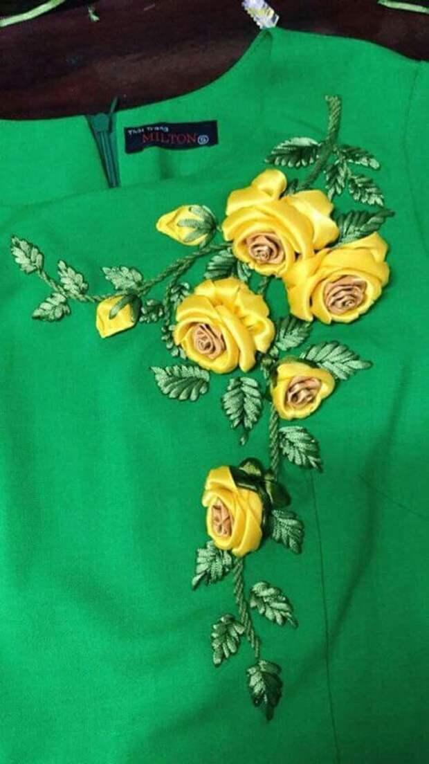 Украшаем одежду вышивкой)
