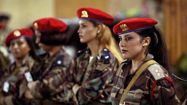 Ливийские монахини-революционеры. После ливийской гражданской войны, корпус элитных телохранителей Муаммара Каддафи был полностью распущен. Эти женщины, впоследствие, сформировали свой собственный боевой батальон отлично подготовленных и смертельно опасных специалистов.