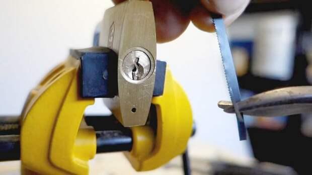 Как вытащить обломок ключ из замка