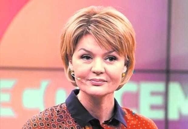 Многие поклонники Юлии Меньшовой посоветовали ей больше не надевать блестящий костюм