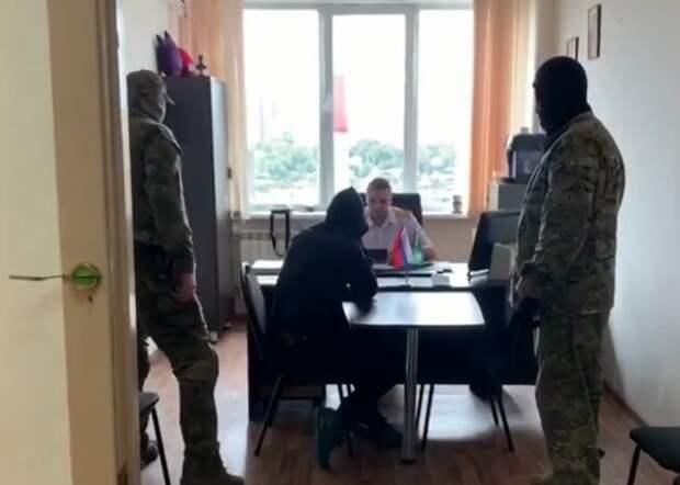 В Красноярске опять задержали подростка - он подозревается в подготовке взрыва в школе