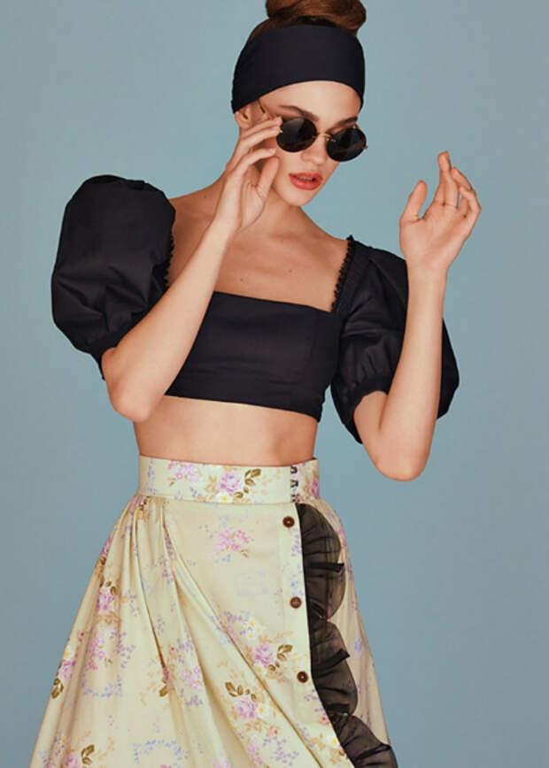 От восточной линии Алены Ахмадуллиной до круиза от Ульяны Сергеенко: лукбуки новых коллекций российских дизайнеров