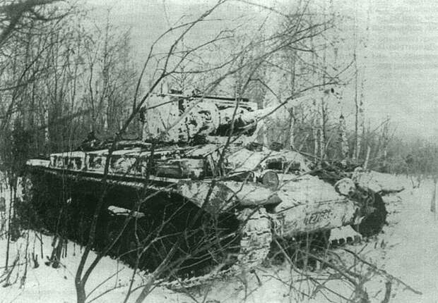 Советский танк «Валентайн II» в засаде во время битвы за Москву. Автор: Александр Капустянский Великая Отечественная война, Советский народ, история