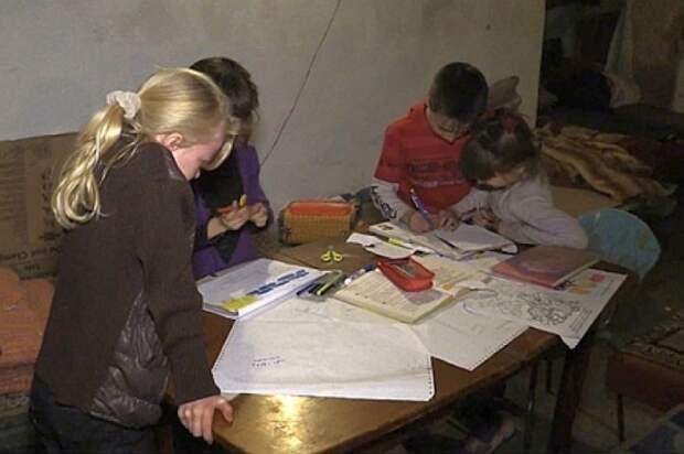 Дети подземелий: В подвалах Донбасса живут тысячи малышей