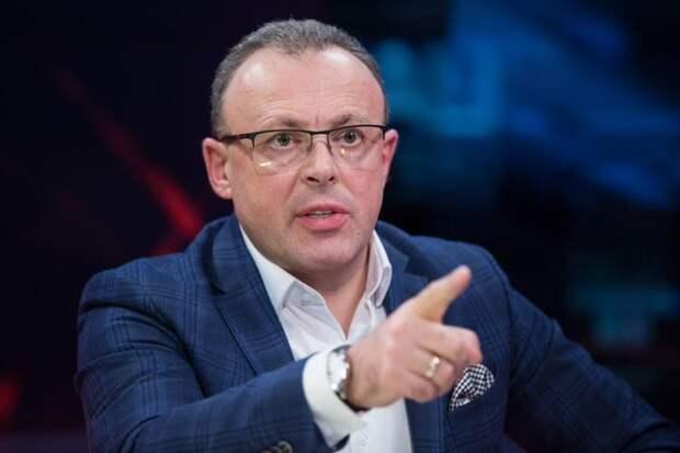Полная капитуляция: Спивак заявил, что Зеленский подписал «акт о передаче» Украины Западу